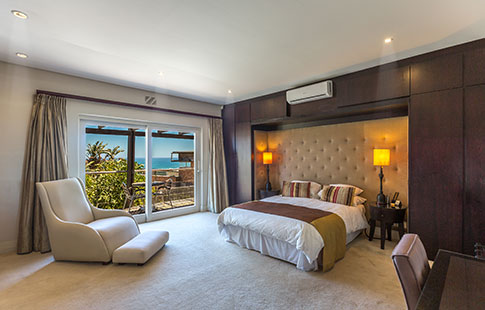 limited-sea-view-bedroom